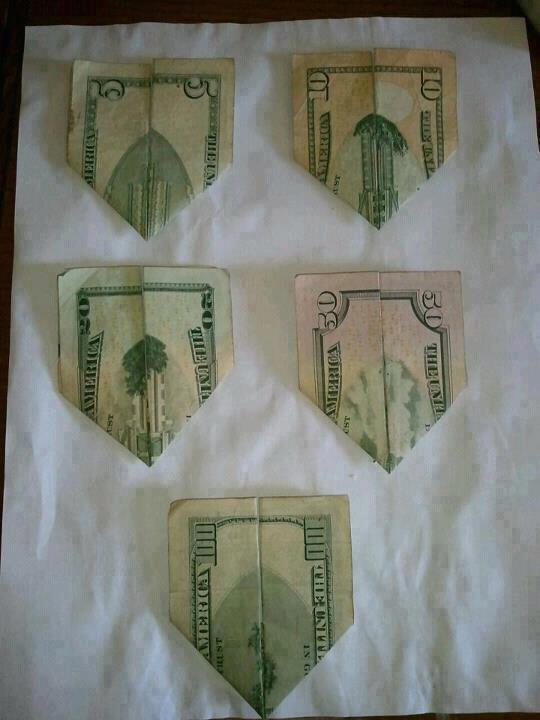 billetes-de-dolares-americanos-torres-gemelas-bromasaparte_01