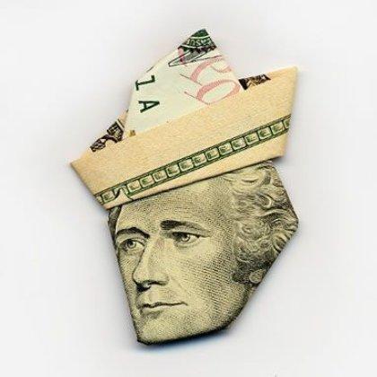 billetes-doblados-haciendo-sombreros-bromasaparte_19