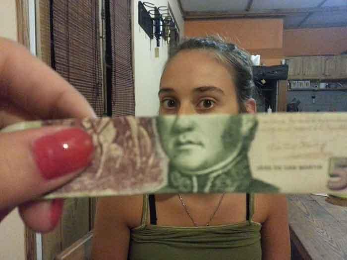 montaje-con-las-caras-de-los-billetes-bromasaparte_13